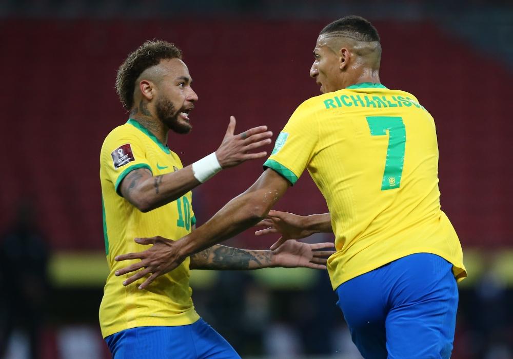 ĐT Brazil cùng tiếng khóc từ Neymar